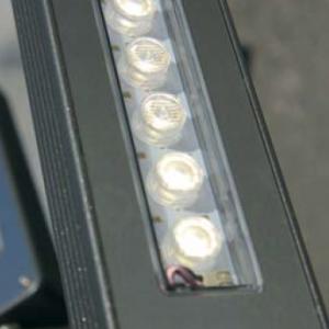 Keops corp de iluminat pe stalp close up