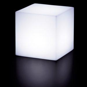 Lampadar Cubo alb