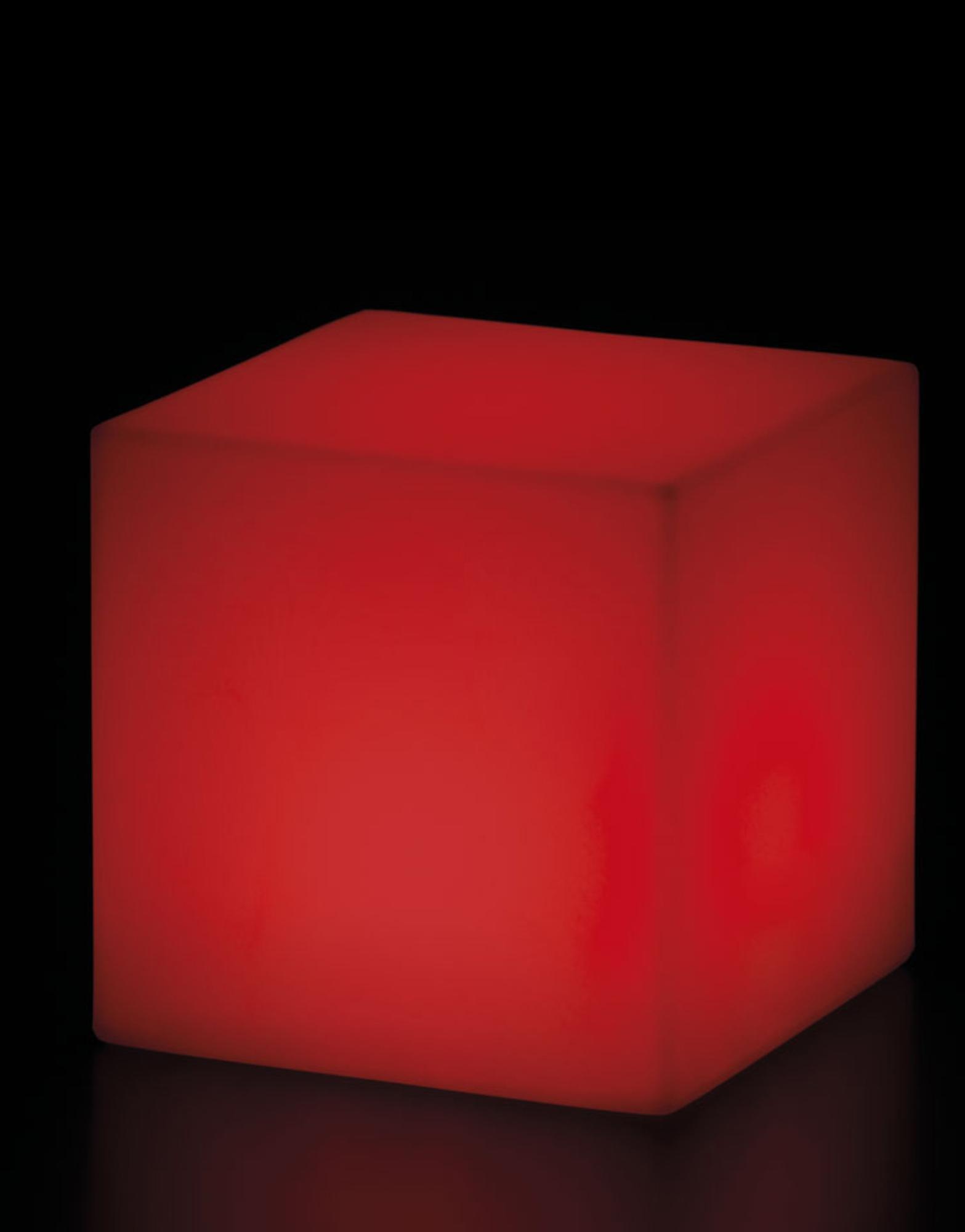 Lampadar Cubo rosu